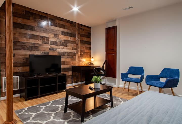 BOWIE HOME AWAY FROM HOME | STONE'S THROW FROM DC
