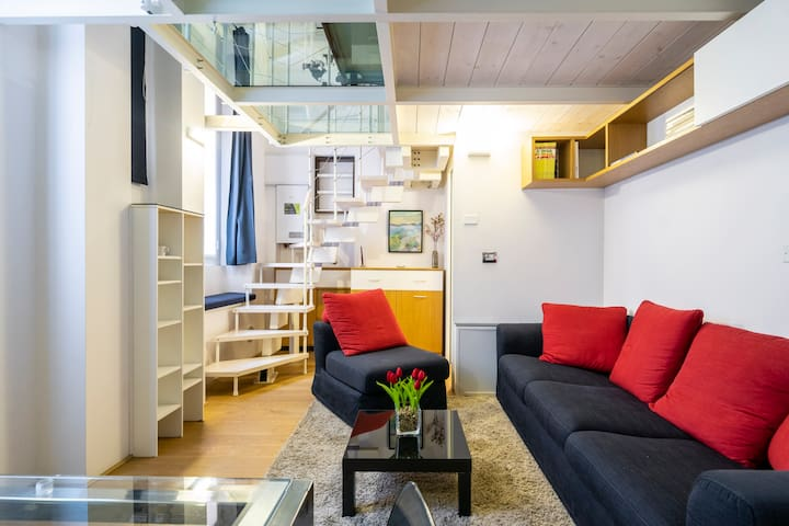 Modern loft in Milano!