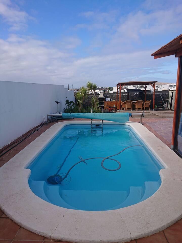 Estudio anexo piscina climatizada y playas cerca