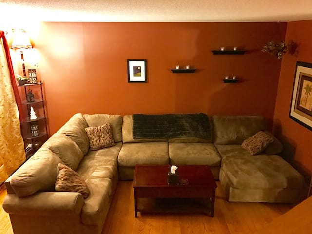 Quiet 2BR, 1.5 Bath condo in Mallett's Bay - Colchester - House