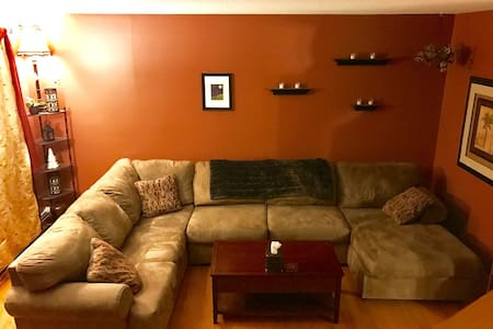 Quiet 2BR, 1.5 Bath condo in Mallett's Bay - Colchester - 独立屋