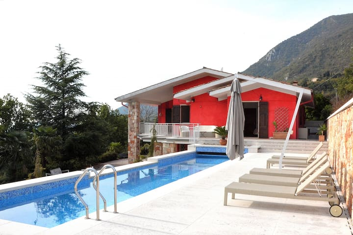 Villa Rossa Up To 10 People With Pool