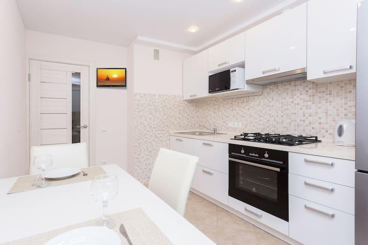 Apartment Vivienne - INezavisimosti Ave., 72a
