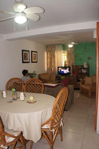 Alojamiento en la Perla del Caribe - Porlamar - House