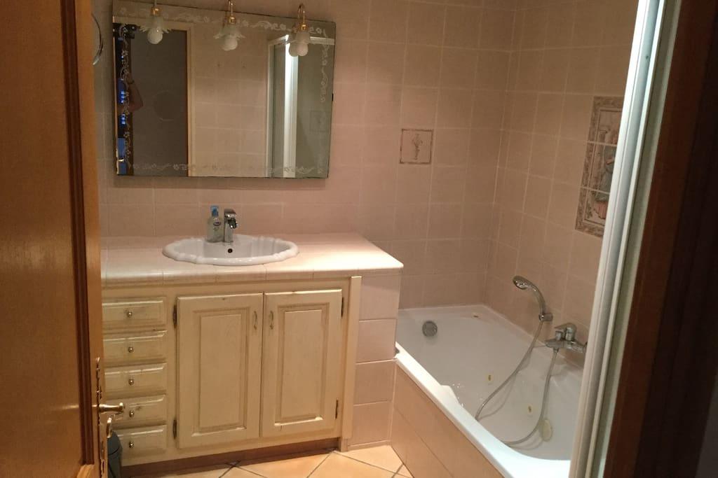 Salle de bain balneo et douche