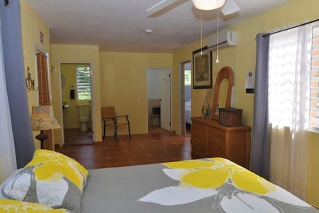 Isla Hermosa Guesthouse - Sunbay