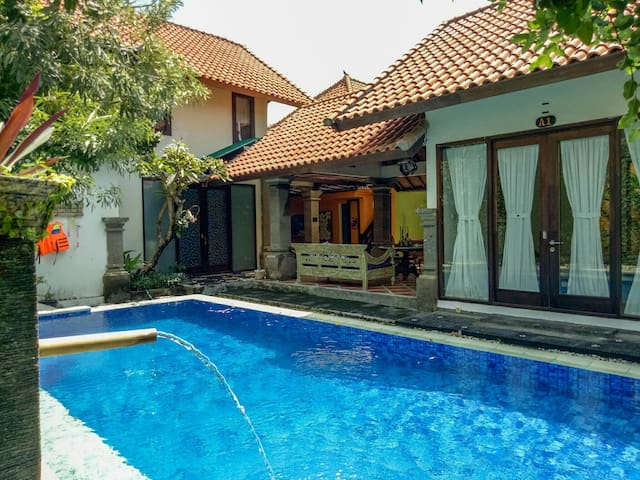Private Spacious 1BR with Bfast. 800m to the beach