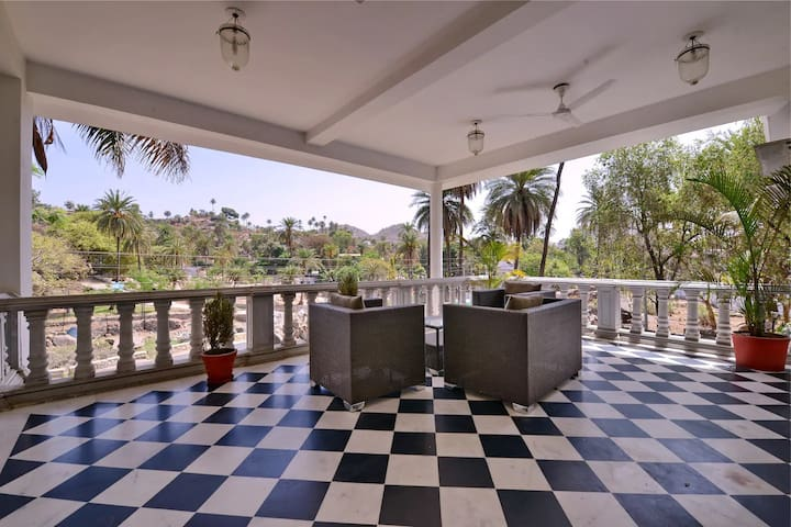 Budget Villa in Mount Abu near Nakki Lake