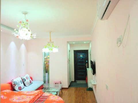 新印象主题公寓--火车站店圆床房