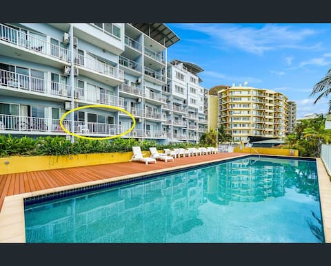 Family sized One bedroom unit in lovely Cullen Bay