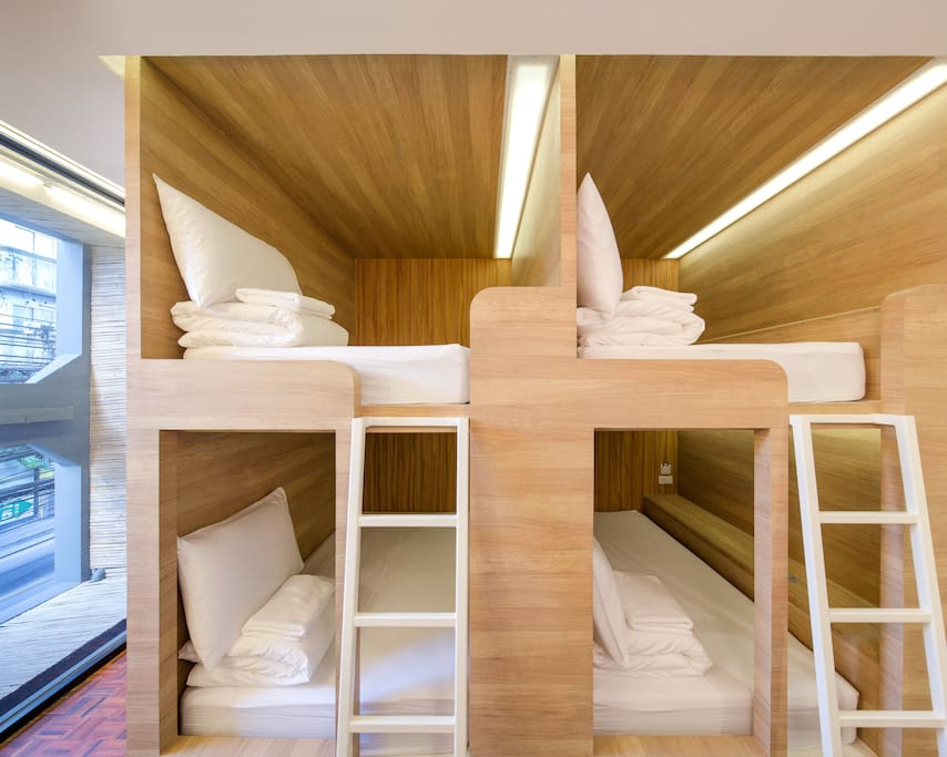4-Beds capsuled styled with toilet inside