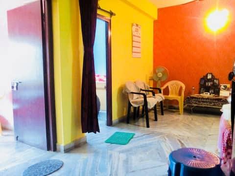 Totalmente mobiliado 2bhk apartamento opp Kali templo.