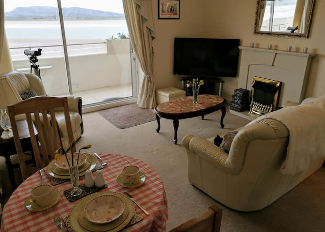 Cosy 1 bed apartment, stunning Morecambe Bay views - Sandside - Appartement