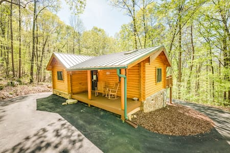 Ravenwood Cabin - NEW LISTING - Wildwood - Blockhütte