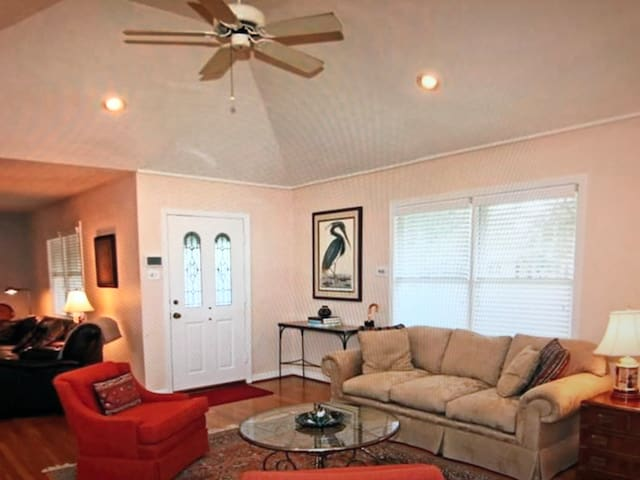 Sweet 2rooms for guests in Normal!