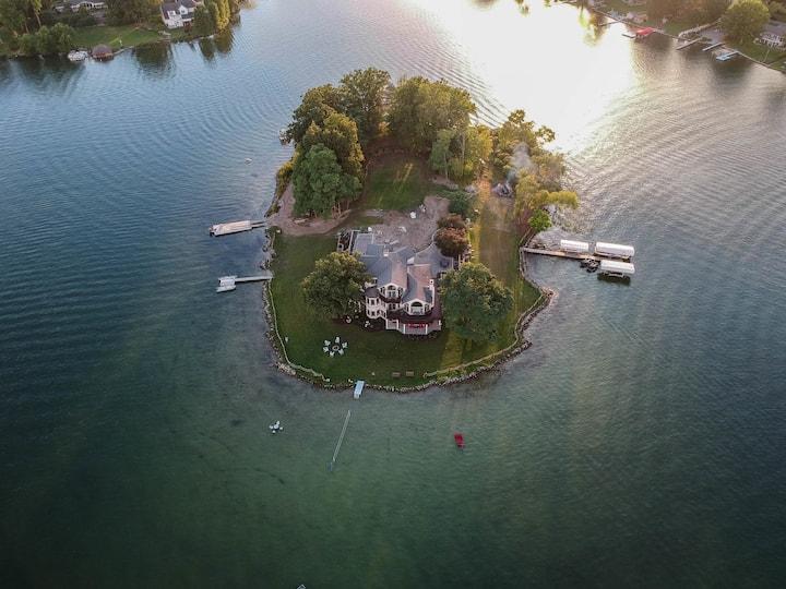 Paradise Island the real fantasy Nou'veau riche