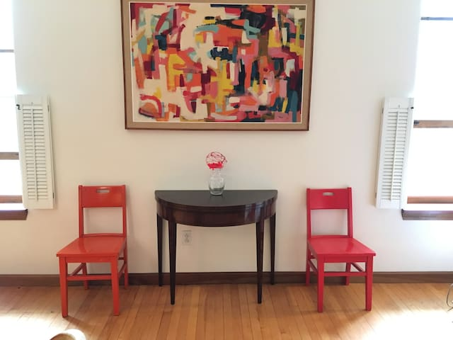 Spacious apt: walk to College and Clark Art - Williamstown