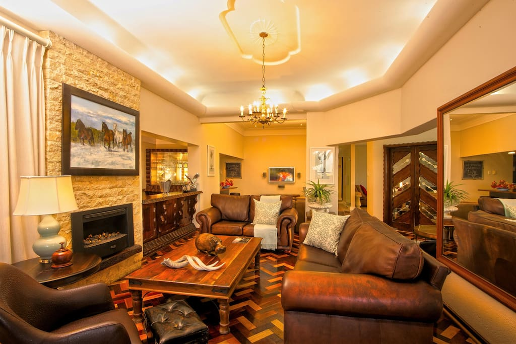 Lounge with gas fireplace
