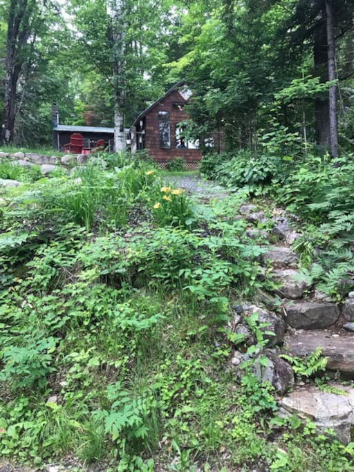 Step down to short walk to dock and kayak and beautiful Indian lake . Pristine water. Hiking trail to view of whole lake  .