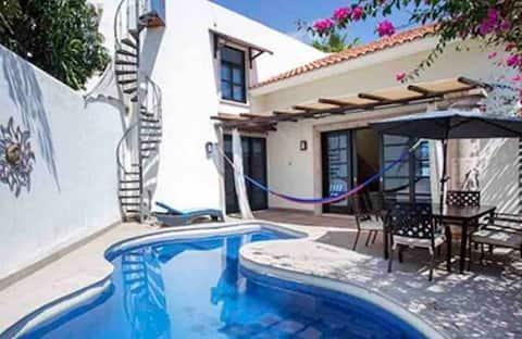 美しい地中海風の家、すべてに近いです!