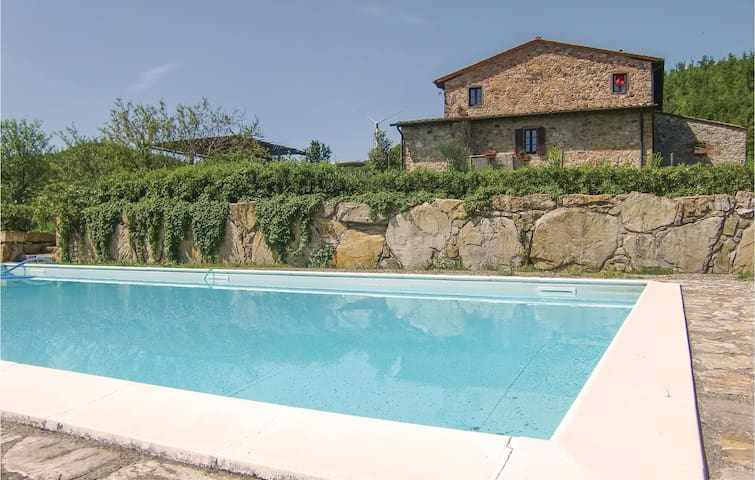 Holiday apartment with 2 bedrooms on 90 m² in Montecatini V.C. (FI)