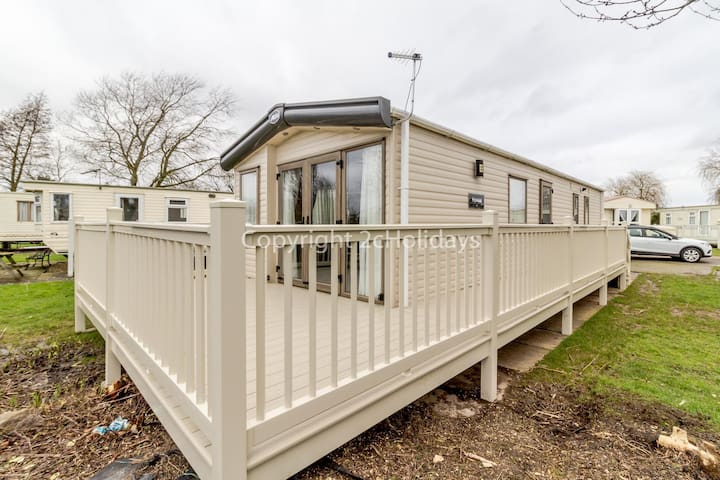 6 berth caravan for hire with decking Southview Holiday park Skegness ref 33070S