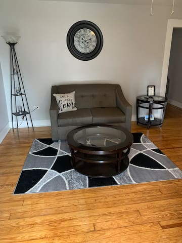 Charming Apartment Near UAB, Southside & Airport