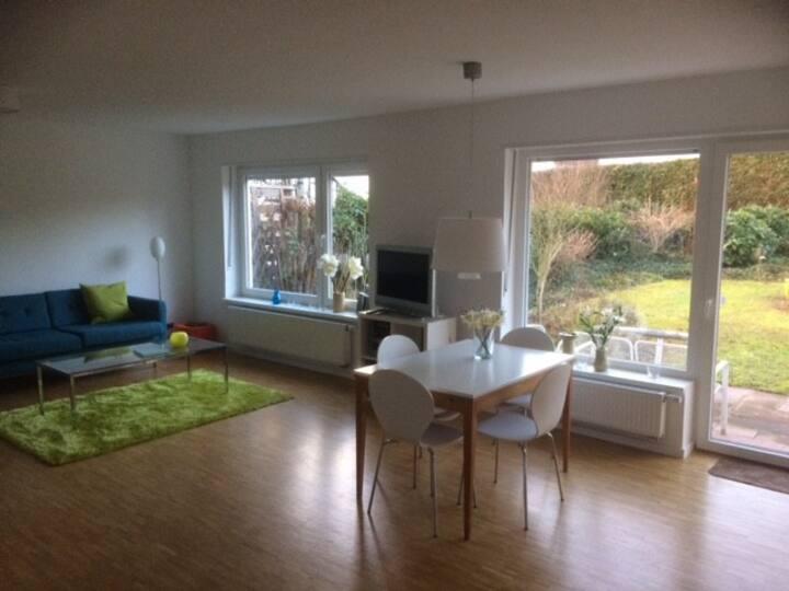 SPEYER-Süd, Moderne 2-Zimmer-Wohnung  mit Garten