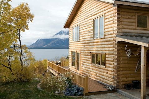 Designers Waterfront Log Home- Stunning Lake Views