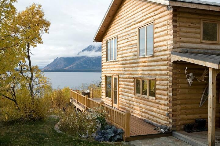 Designers Waterfront Log Home- Stunning Lake Views