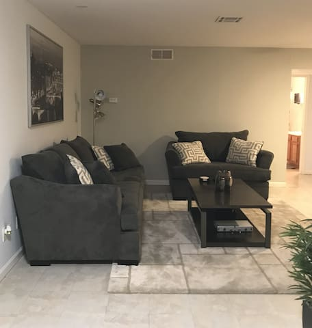 Private living room, view 2