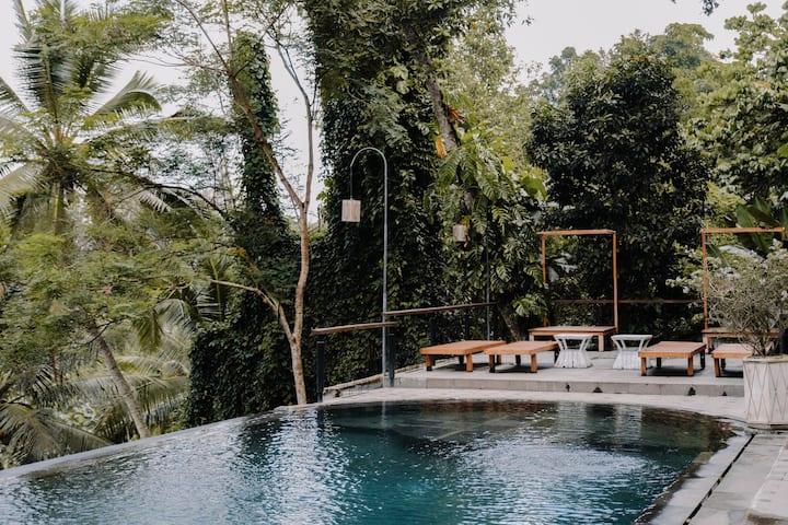 Royal Private Pool Villa at Ubud