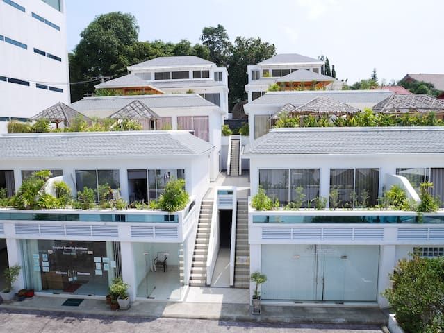 2-Bedrooms A24 With Kitchen & Terrace Pool View