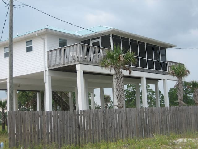FOUR BEDROOMS, GULF FRONT, PRIVATE