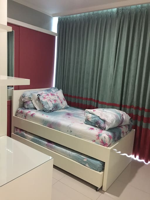 Single size Bed (2x)