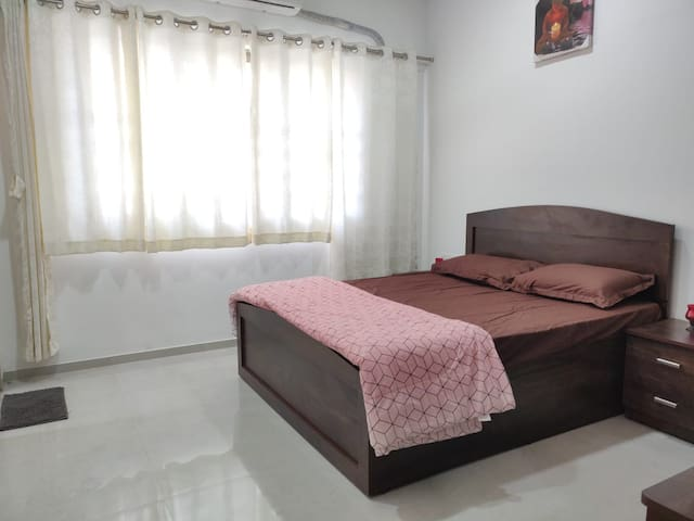 Private Room  Vasant Oasis Andheri East Marol