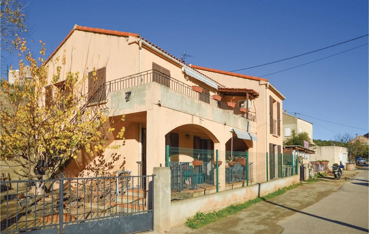 Holiday cottage with 3 bedrooms on 90m² in Sant petru di Tenda