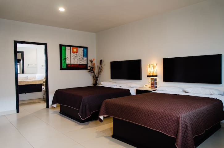 MX- TIJUANA Velario Hotel a DOUBLE room 2 BEDS