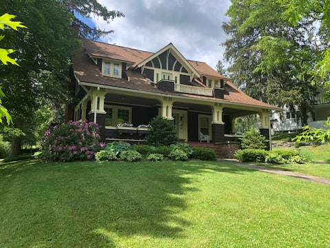 1917 Classic Arts and Crafts Home in the Catskills