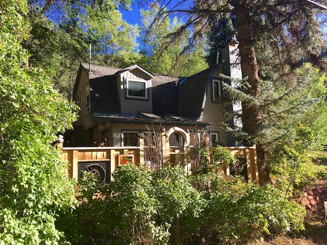 Historic Mountain Ski Cottage - Glenwood Springs - Σπίτι