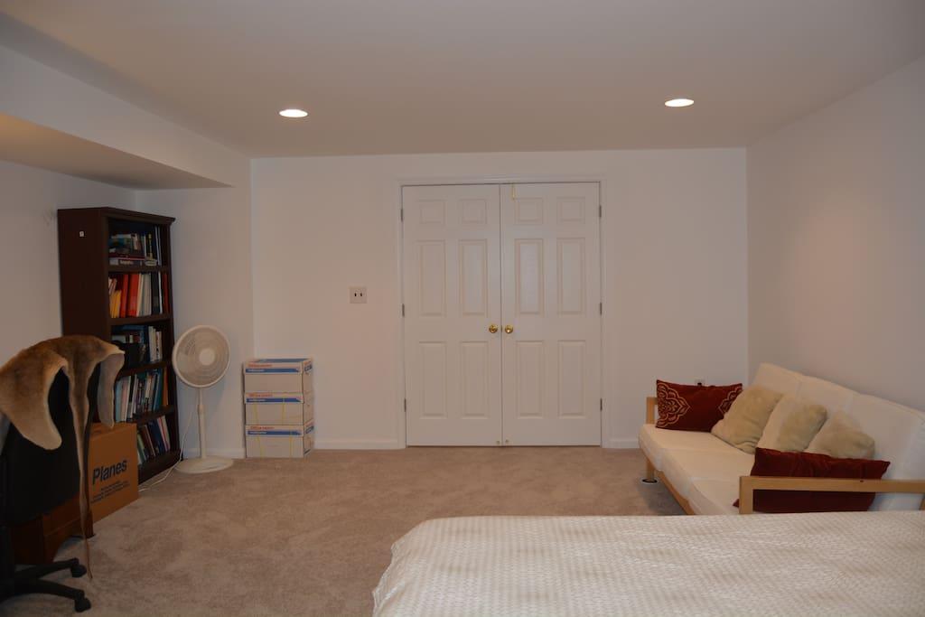 basement spacious room in a house casas en alquiler en north potomac