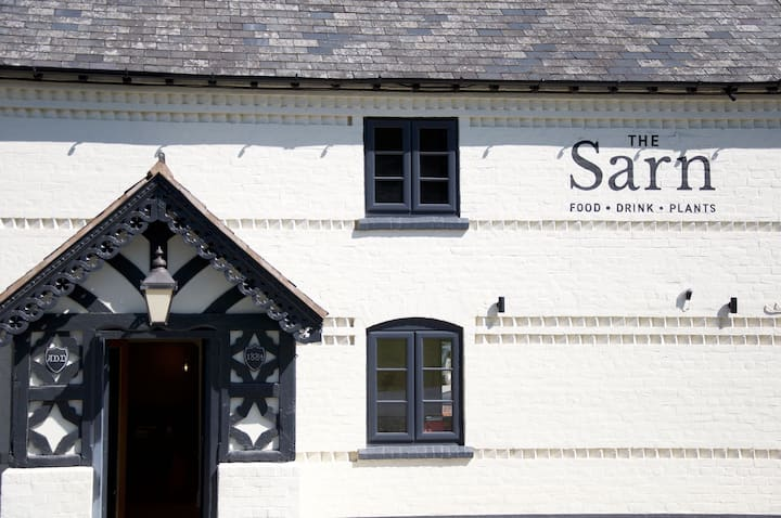 The Sarn, Sarn, Newtown - Rural Private apartment