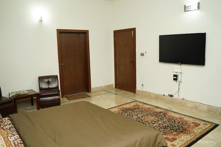 WiFi/BREAKFAST/Roomservice[Spacious guest house!!]