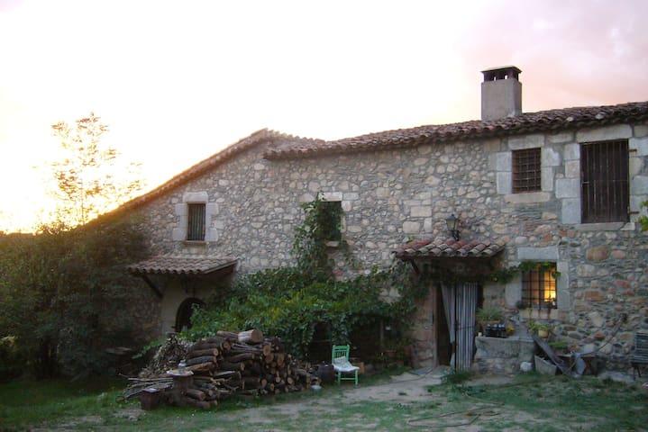 Vivienda con terraza en masia s.XII - Sant Celoni - Casa
