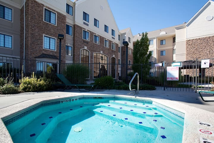 Equipped Cherry Creek Suite | Outdoor Pool, Shared Hot Tub + Gym Access