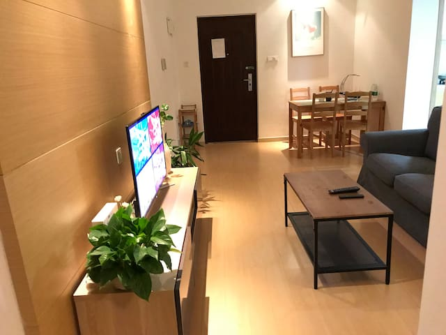 《九方之家》电梯直达九方购物中心的一站式体验服务式公寓