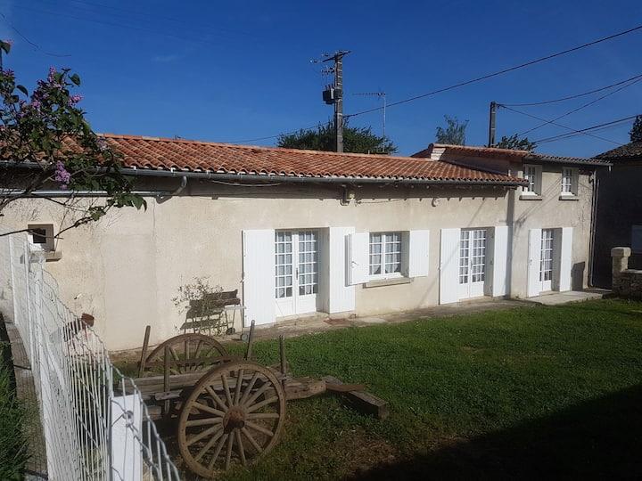 Maison bucolique coeur du vignoble  de St Emilion