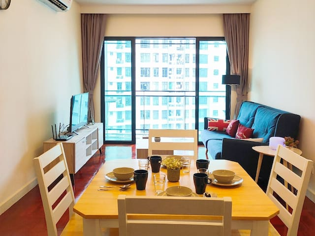 Premium『2BR 1∼4px』Near MidValley『Fast Wifi+TV Box』