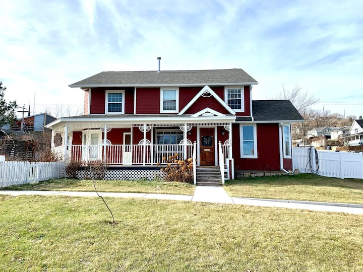 The Ruby Manor - New Listing!