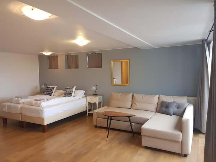 Guesthouse Dyngja - Big room / family